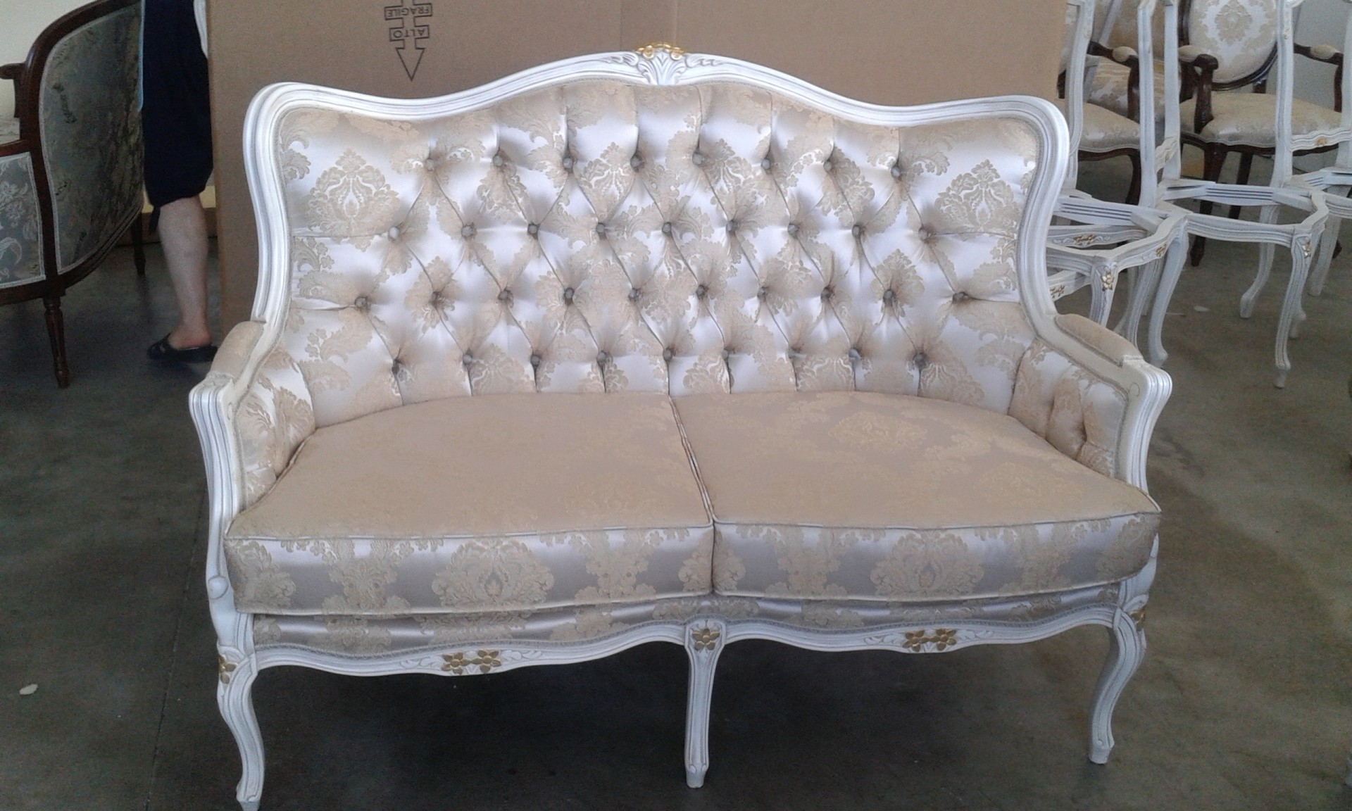 Art 32d 2 divano luigi xv berger 2 posti sedie veneto for Poltrone berger