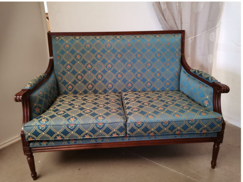 divano-luigixvgi.jpg